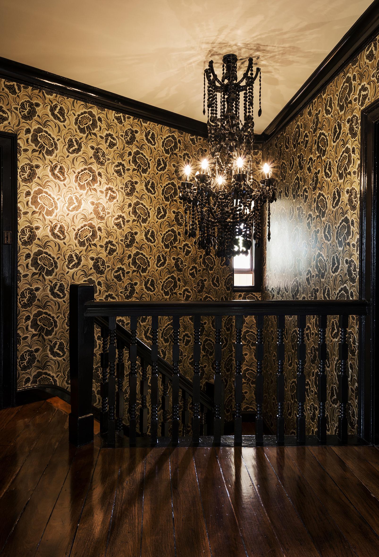 DSC0136-Gillian-Adams-Staircase-Bonnie-Bray-Michael-Wee